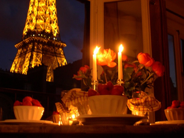 Romantic Dinner in Paris