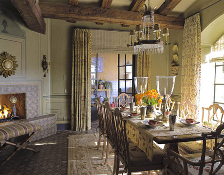 French country dining room furniture beautiful home for Homes with beautiful dining rooms
