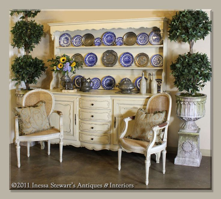 Finding The Perfect Display Cabinet