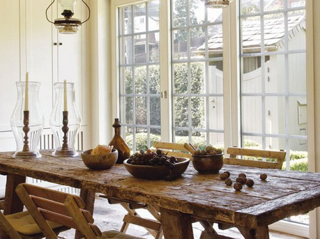 This Country Chic Dining Room Beckons Family And Friends To Sit Down