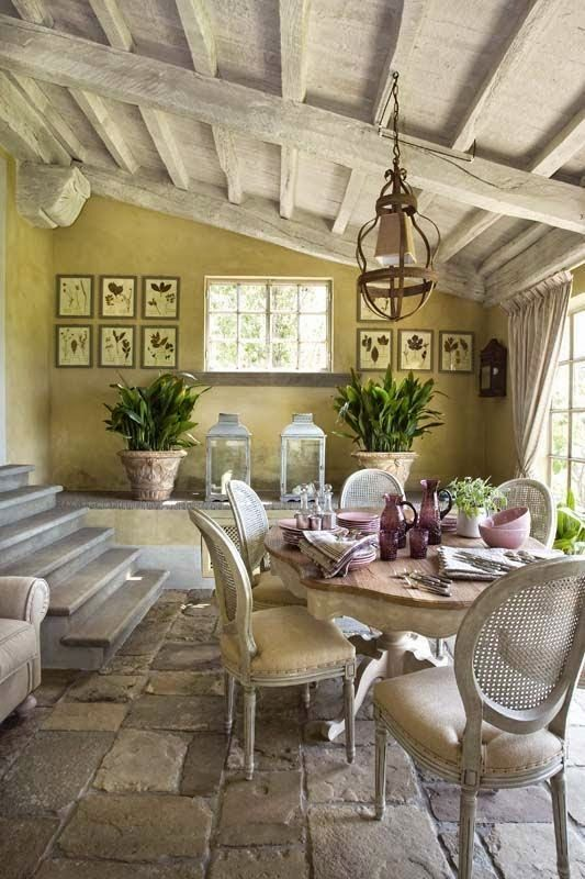 Get the look of old provence in your home beautiful home for Arredamento rustico italiano